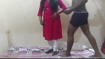Двойная парилка с проституткой в сауне