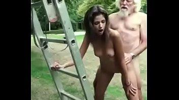 Настырные грабители выебали тайку в сексапильном нижнем нижнее белье