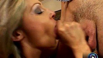 Подружка испытала оргазм сидя на моем лице