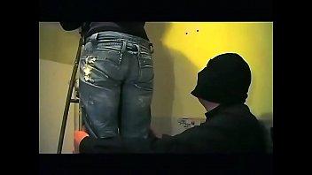Две сладенькие пилотки лесбиянок испытывают восторг от кунилингуса