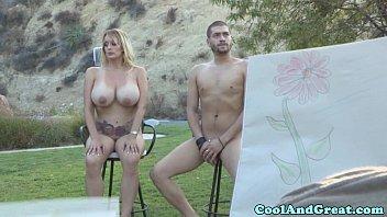 Жаркий секс втроем с двумя строптивыми блядями