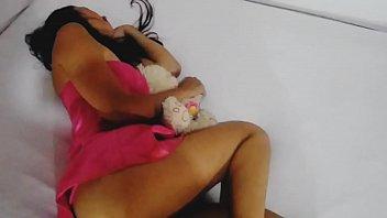 Девушка с пышными сиськами напросилась на жаркий секс