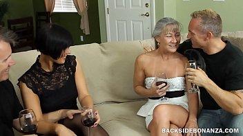 Дженна захотела испытать секс на бильярдном столе